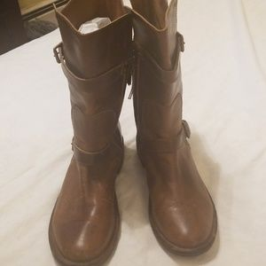 Uggs Abovd the Ankle Boots